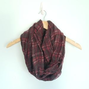 Lightweight Plaid Scarf